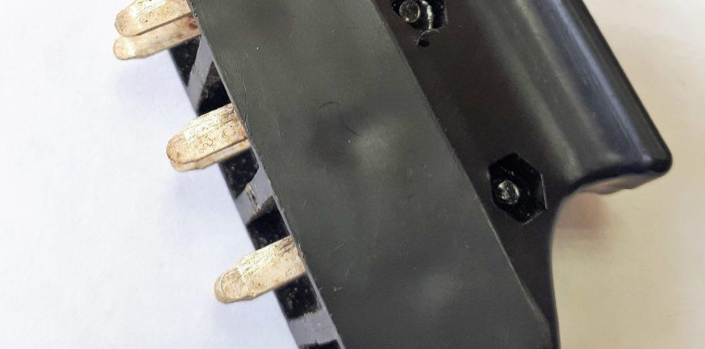 Колодка коммутационная 8-ми контактная (штепсель, вилка)